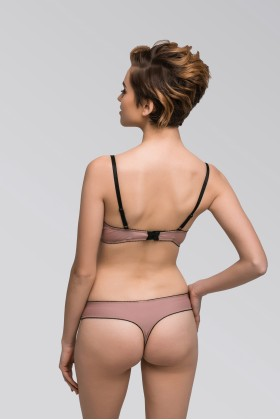 Beige thongs for every day