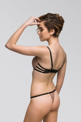 V-string panties with tiny belts