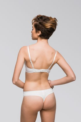 Practical lace-free string pants