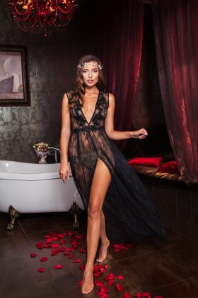 Long boudoir dress without the sleeves