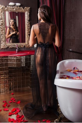 Black boudoir dress with bowknot on the back