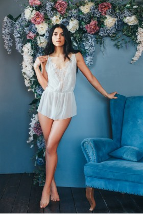 Sexy romper with lace front
